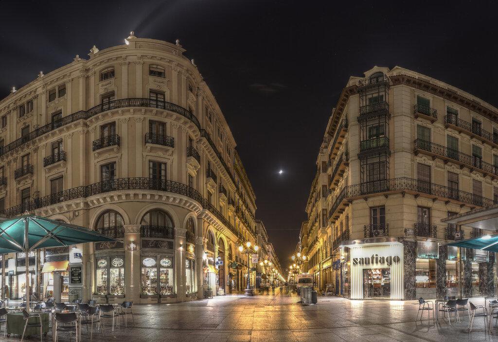 Zaragoza. Street Alfonso I at night. HDR