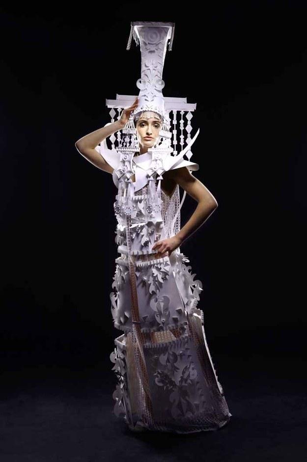 бумажные-свадебные-платья-аси-козиной3.jpg