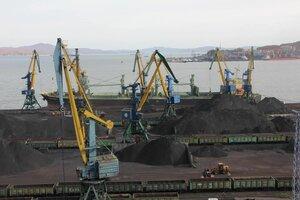 Угольный терминал в порту Находки