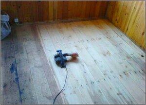 Выравнивание деревянного пола.jpg