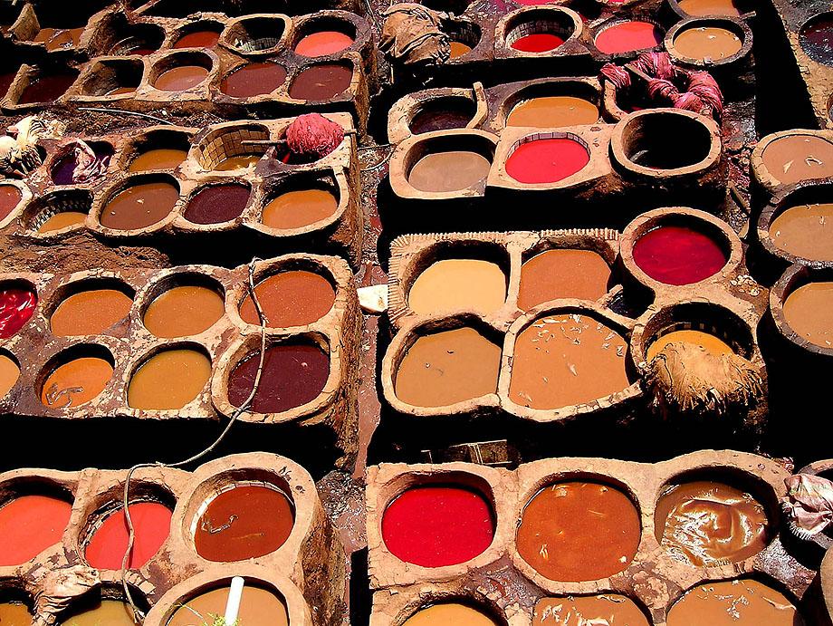44. Чаны с краской для окрашивания кожи в маррокканском городе Фез.