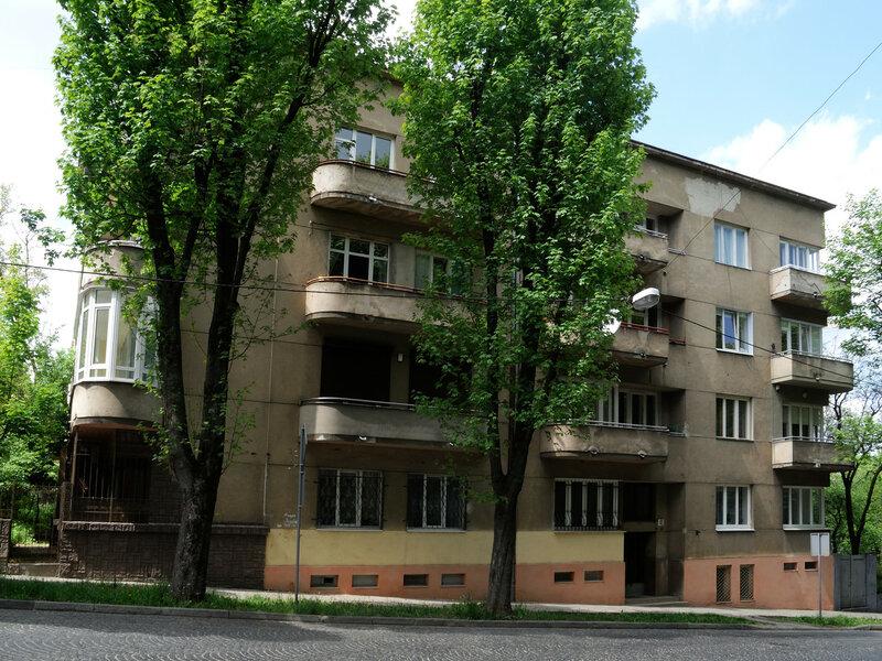 ул. Бой-Желенского, 2,  ул. Гвардейская, 40