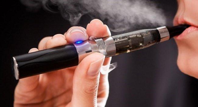 Онкологи поведали  овреде электронных сигарет