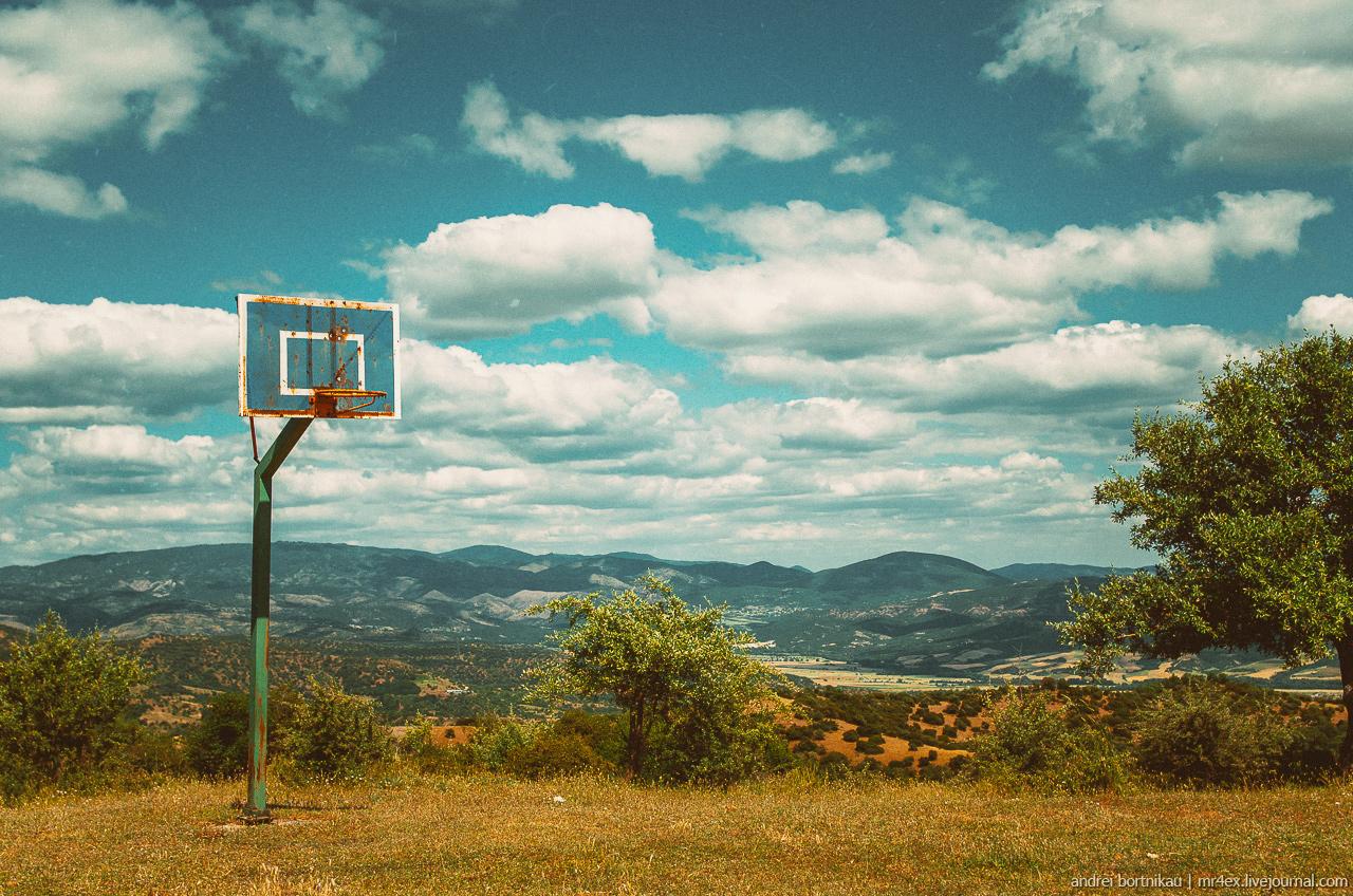 Метеоры, смотровая площадка, баскетбол в Греции