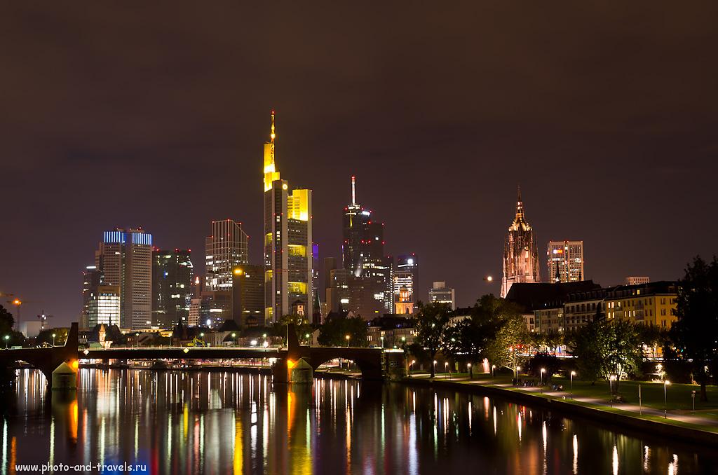 25. Виды ночного Франкфурта впечатляют.