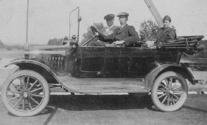 1914_Ford.jpg