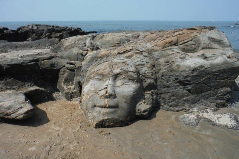 Лицо Шивы на пляже Вагатор Гоа