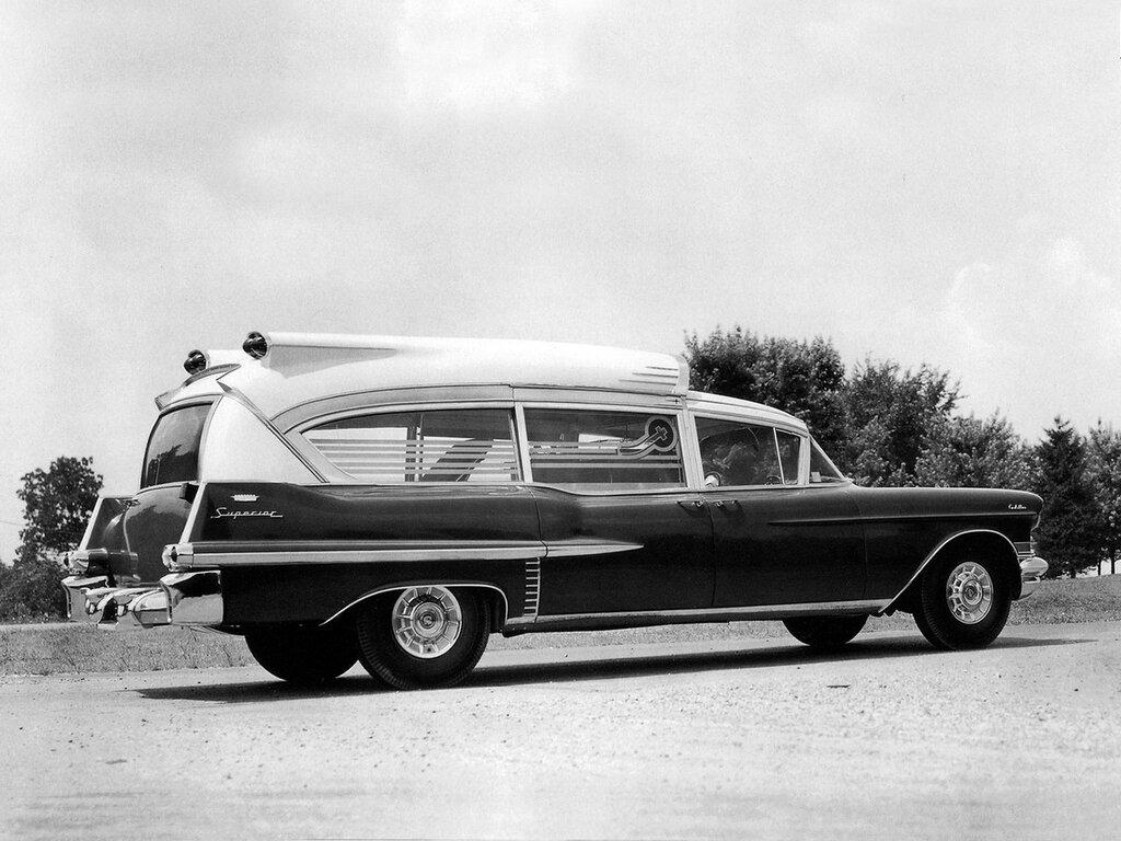 Superior-Cadillac Super Rescuer Ambulance (8680S) '1957 1.jpg