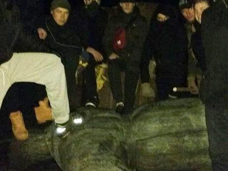 Генерала сбили сног: наЧерниговщине повалили памятник НКВДисту