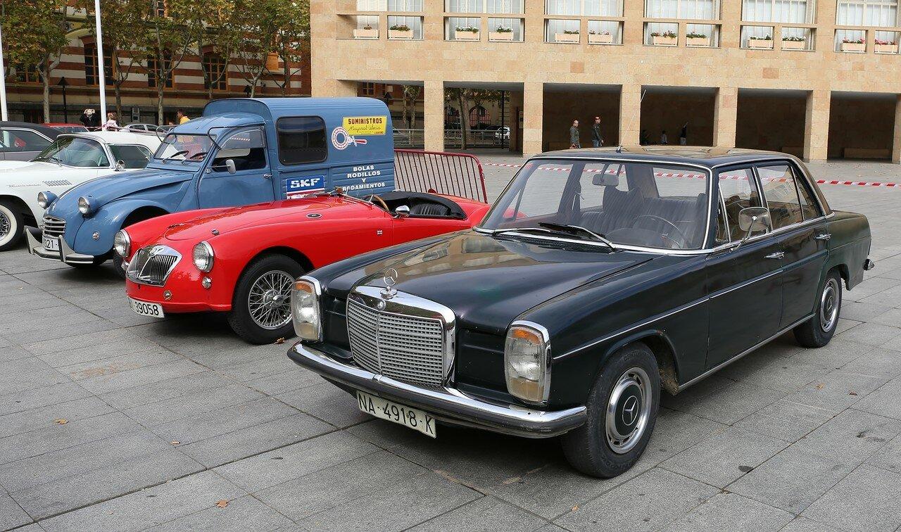 Парад ретроавтомобилей в Логроньо. Mercedes-Benz W114/W115