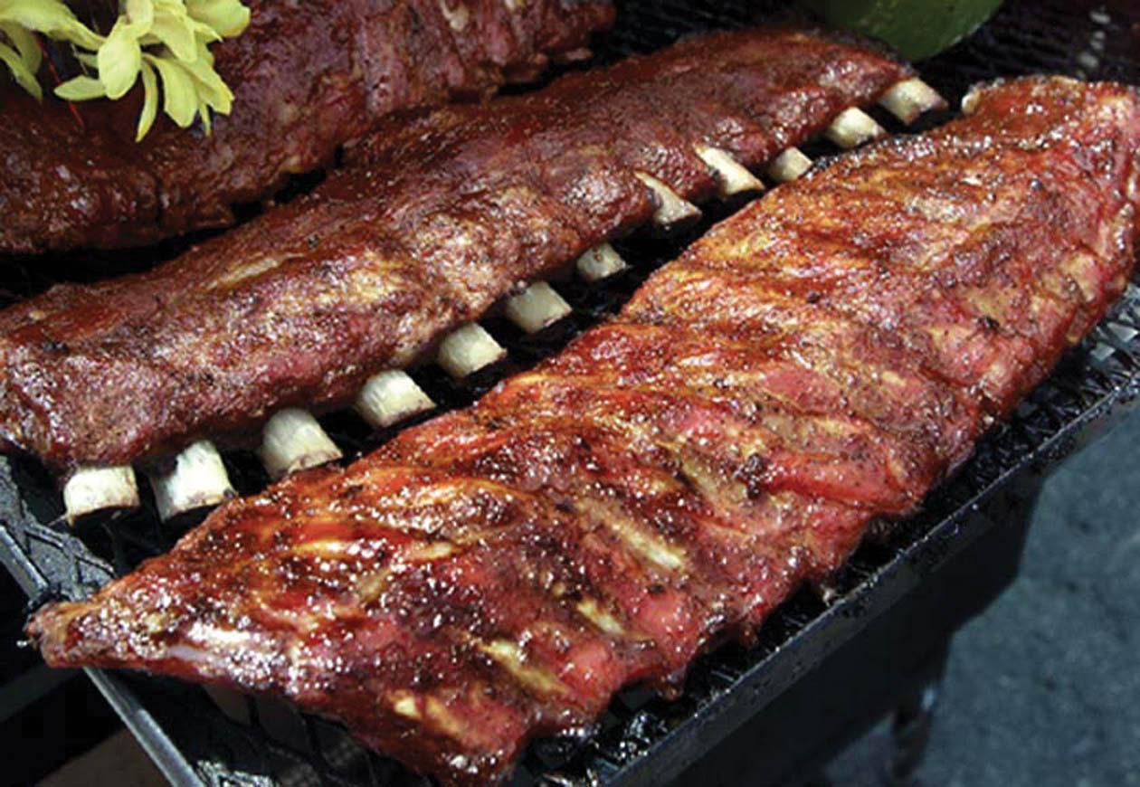Ели мясо жареным и тушеным, мясные щи, суп, похлебку, яичницу на сале, молоко, масло, сметану, творо