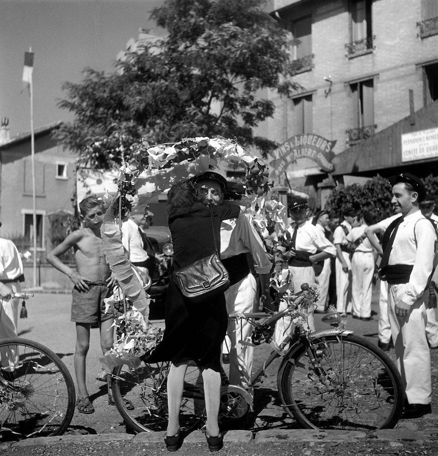 1945. Монтрёй