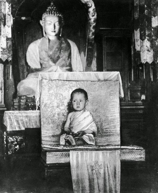 Юный Далай-лама XIV.