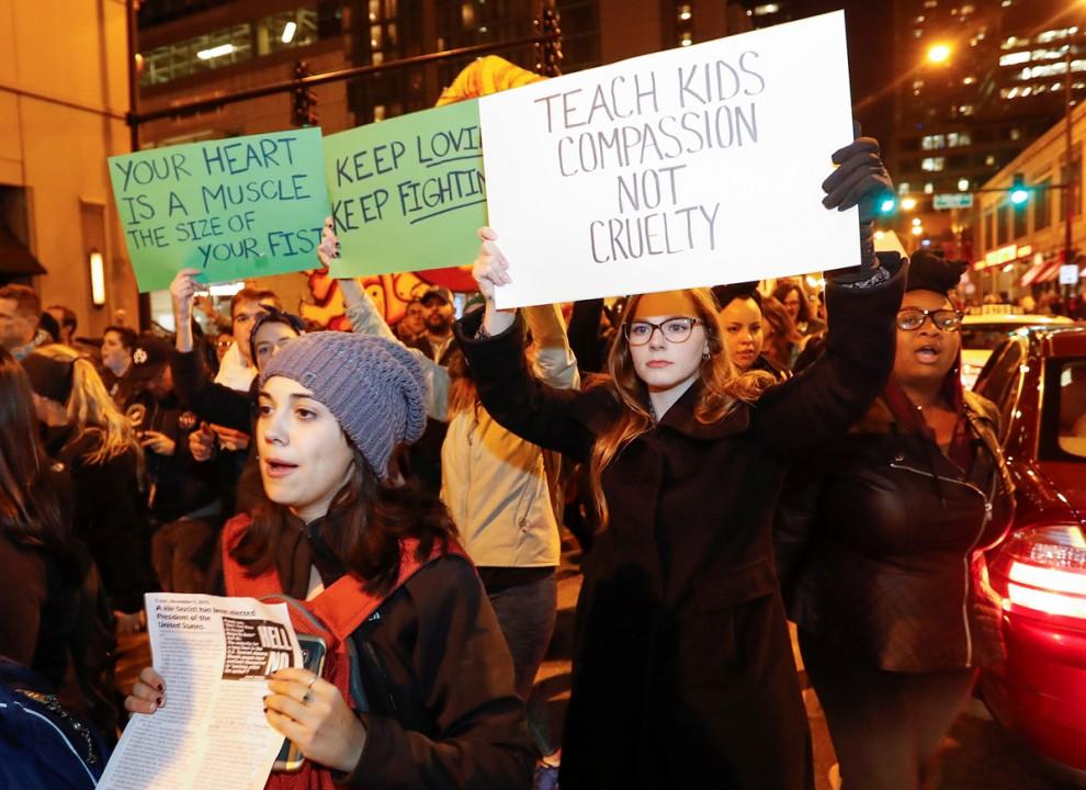 Акция протеста в Чикаго, штат Иллинойс, 9 ноября 2016 года.