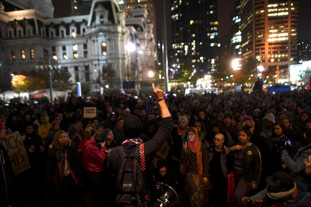 Акция протеста в Филадельфии, штат Пенсильвания, 9 ноября 2016 года.