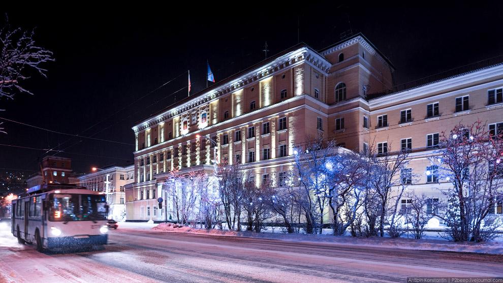 11. Очень круто гулять по Мурманску в полярную ночь! Она здесь длится 40 дней.