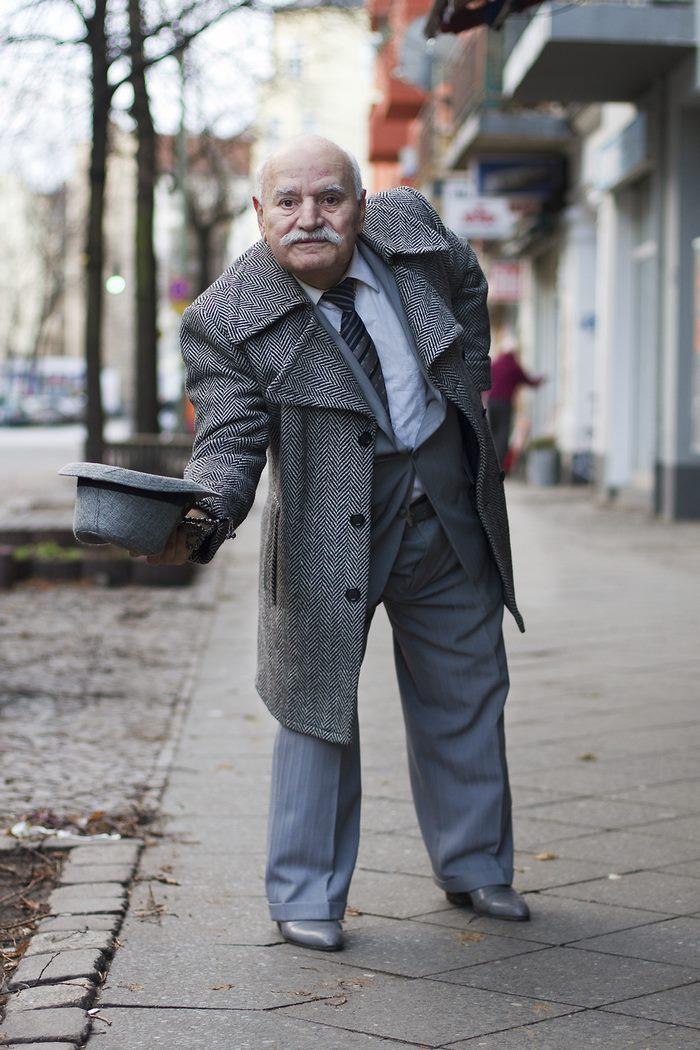 86-летний портной ходит каждый день в разном, и всегда — в стильном