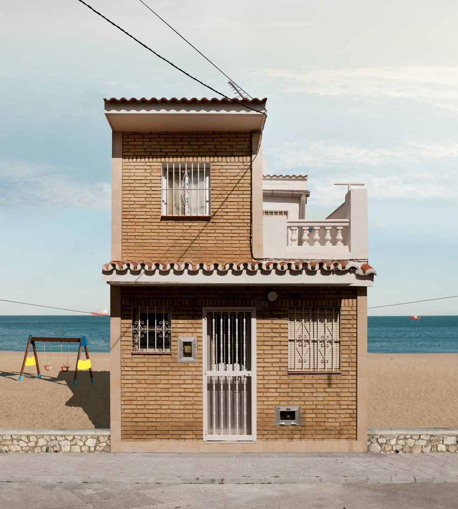 Фотограф Katharina Fitz с проектом «Paracosmic Houses»