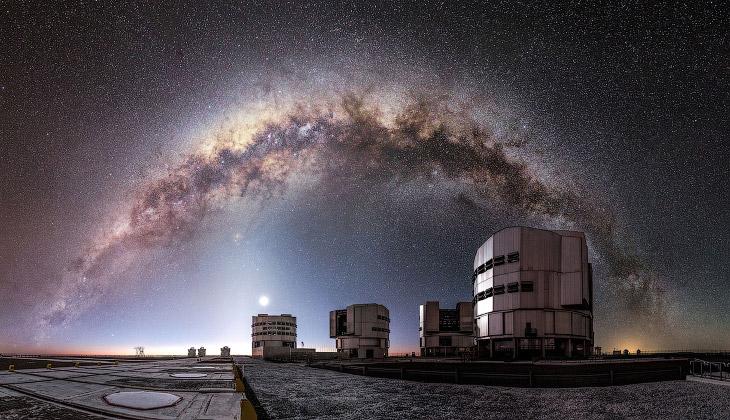 1. Обсерватория Льяно де Чахнантор . 5 000 метров над уровнем моря в чилийских Андах. Каждая та