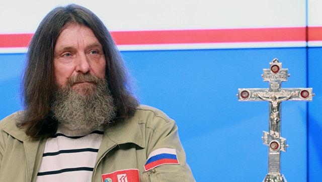 Конюхов иЧилингаров установят крест и русский флаг надне Марианской впадины