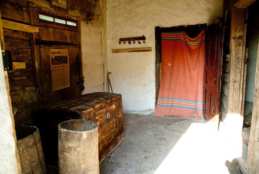 Комора (будівля, приміщення)