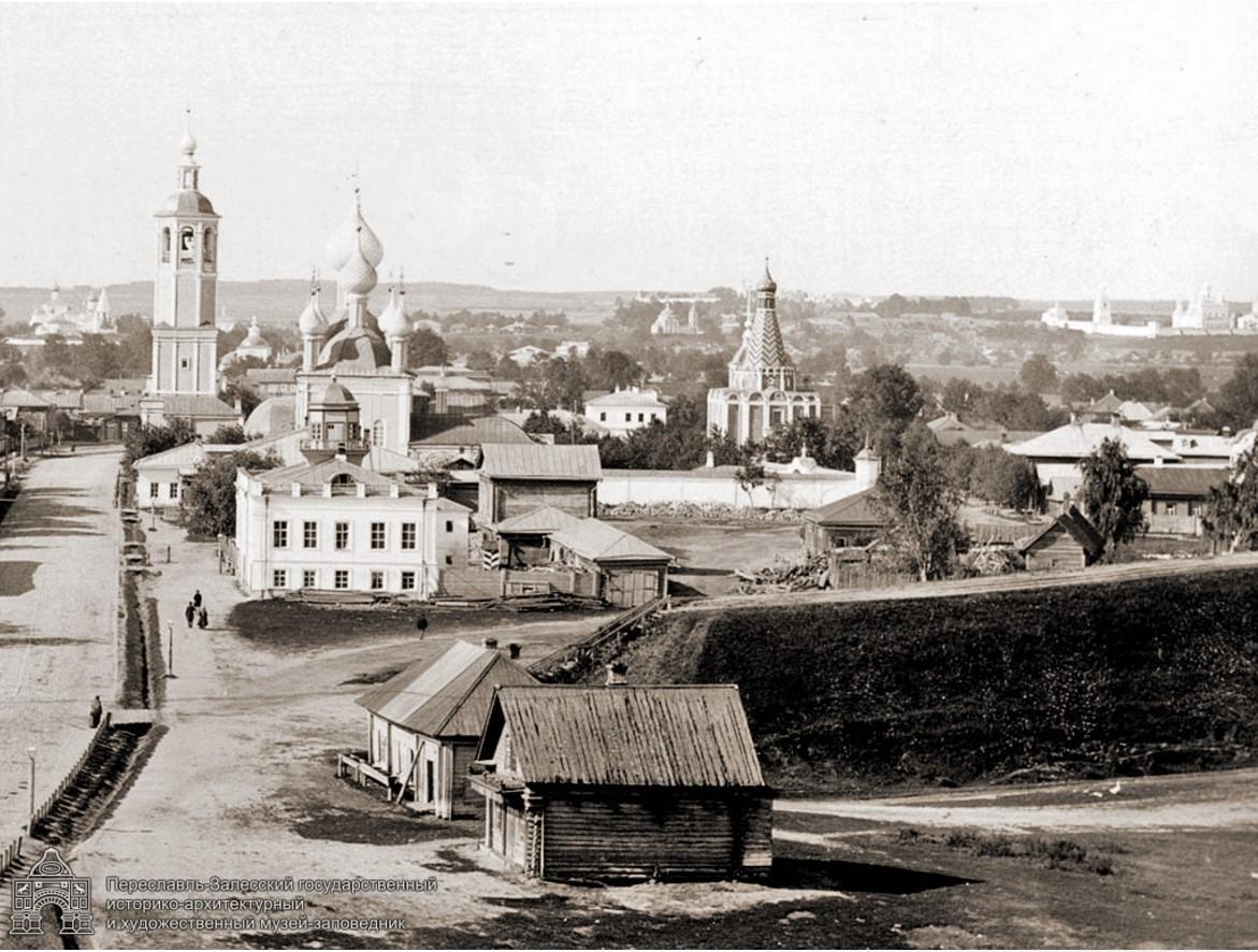 Вид Солдатской улицы с колокольни Сергевской церкви