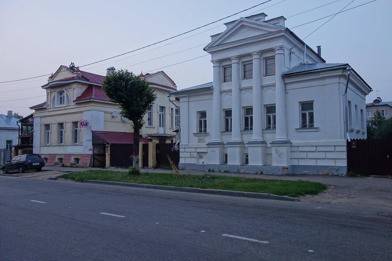 дом Акатова