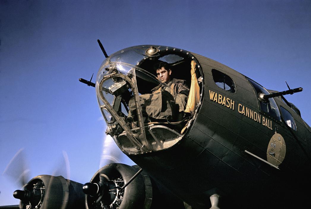 Wonderful Colour Photographs of World War II by Robert Capa (4).jpg
