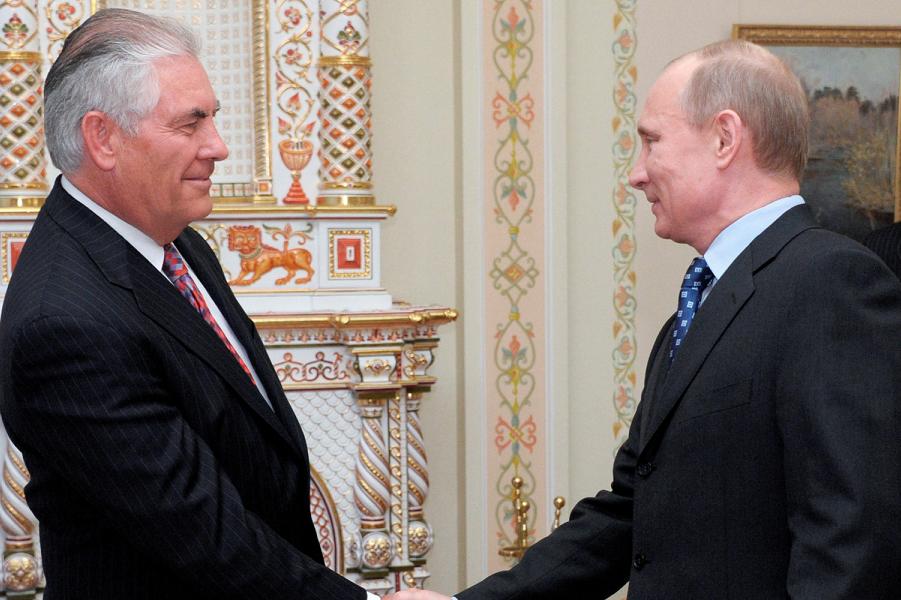 Тиллерсон и Путин.png