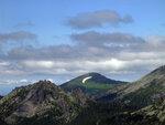 Гора Замок и ледник Полумесяц.