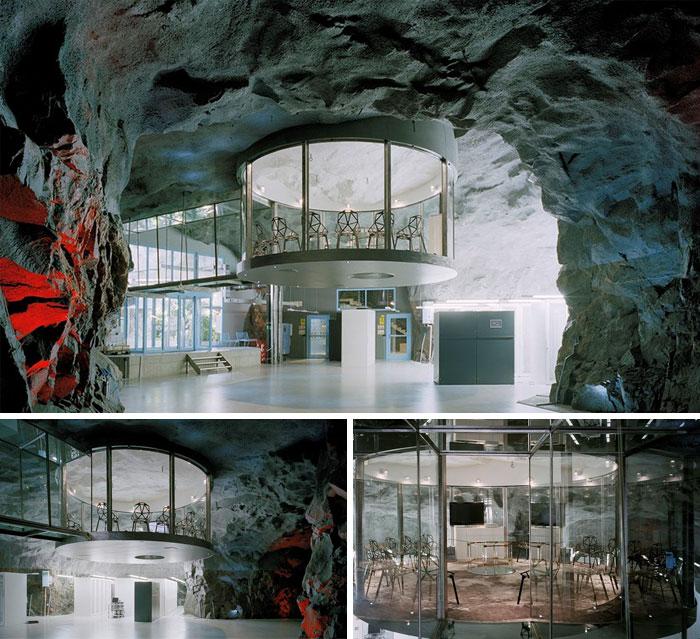 Администрация вокзала, встроенная в бывшее атомное бомбоубежище в Стокгольме.