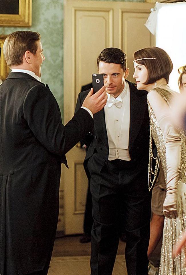 Когда господинN перебрал набалу ивидео разошлось посети.  Шерлок