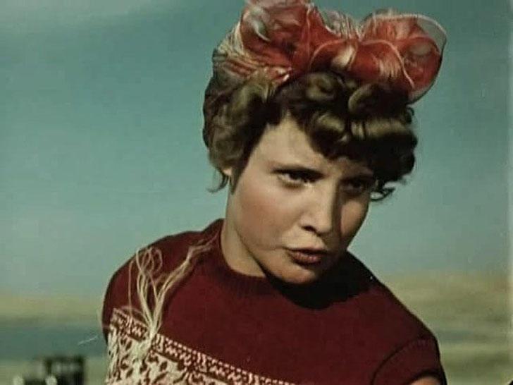 Татьяна Доронина, 1955, «Первый эшелон» — Зоя.