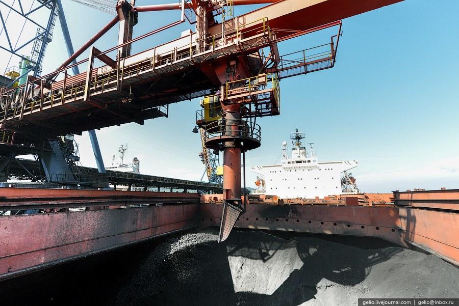 Южно-Корейское специализированное судно для перевозки грузов насыпью «C.YOUNG»: