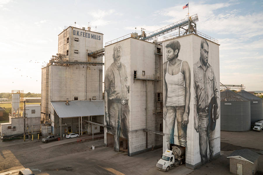 Gigantic and Realistic Mural Portraits in Arkansas (7 pics)