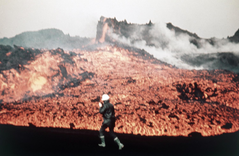 Январь 1973. Часть огромного поля расплавленной лавы от вулкана Эльдфедль на острове Хеймаэй