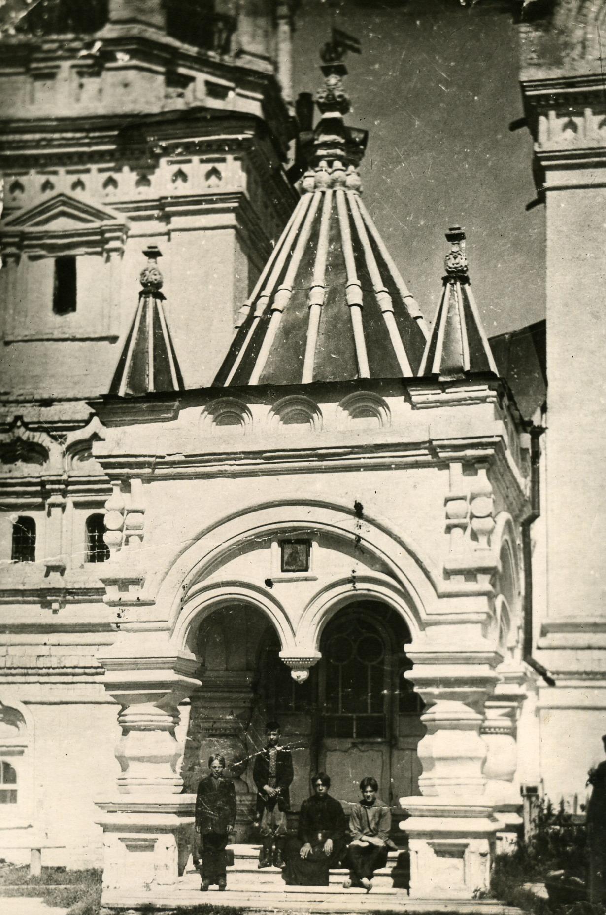 Благовещенский собор. На крыльце. 1915-1917