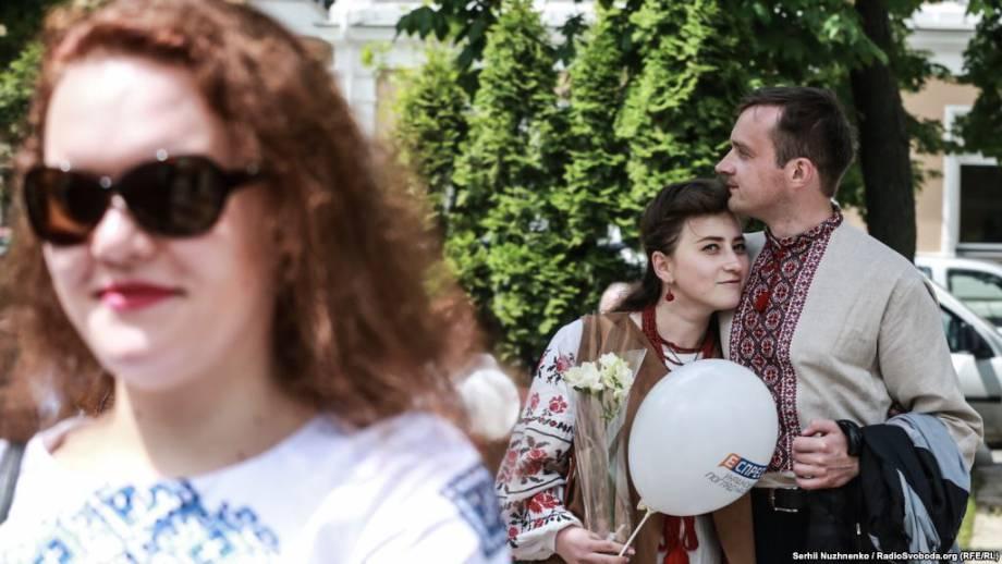 Фоторепортаж: Даже кот в вышитой рубашке. Киевский марш вышиванок