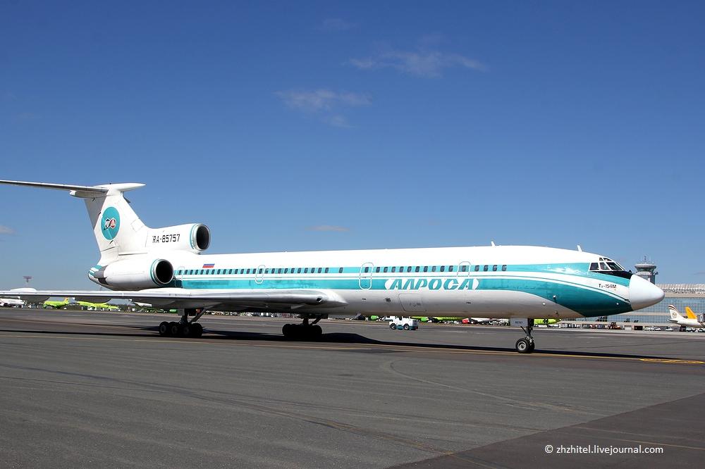 Самолет Ту-154М