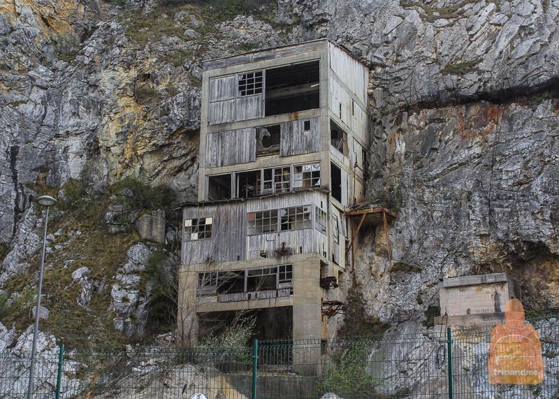 Заброшенная каменоломня у Голубацкой крепости