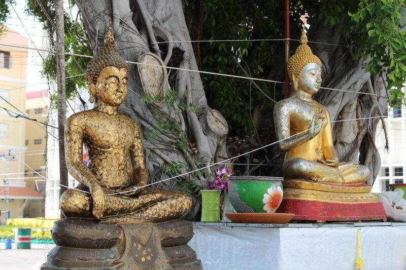 Буддийский храм Wat Chai Mongkron