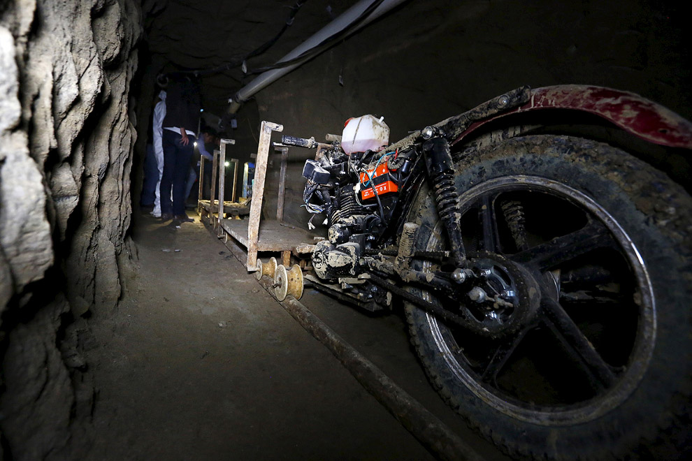 7. Строители туннеля отлично ориентировались внутри тюрьмы. Чтобы точно прорыть тоннель под душ