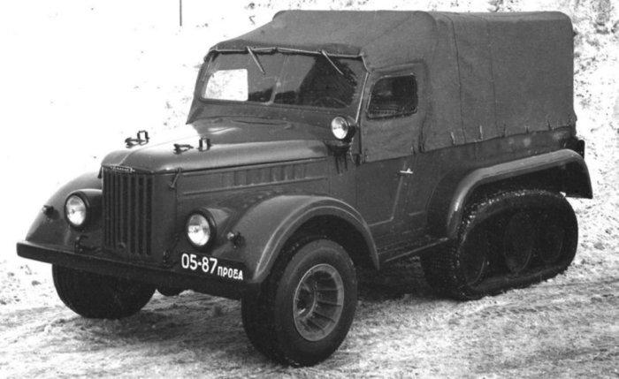 Экспериментальный НАМИ С-3МУ с пневмогусеницей от предыдущей модели.