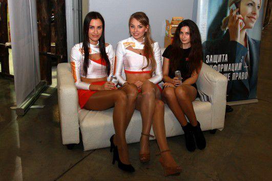 Девушки с выставки ИгроМир (42 фото) 18+