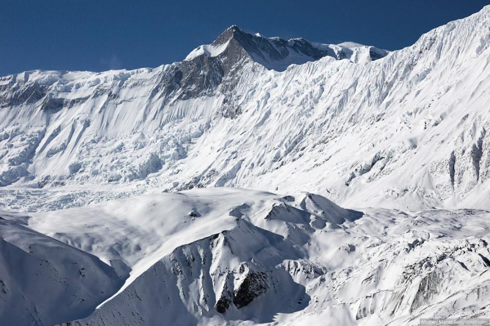 7. На середине маршрута я попал в царство снега и льда и казалось, что кроме меня, тут никого б