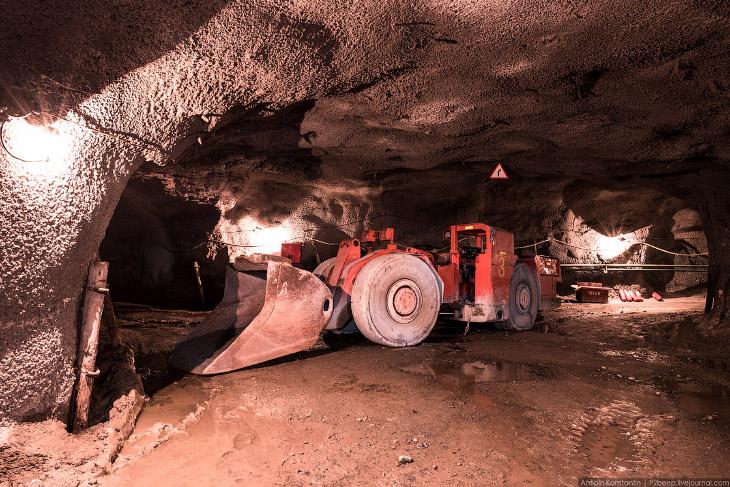 Подземный рудник имени Кирова (22 фото)
