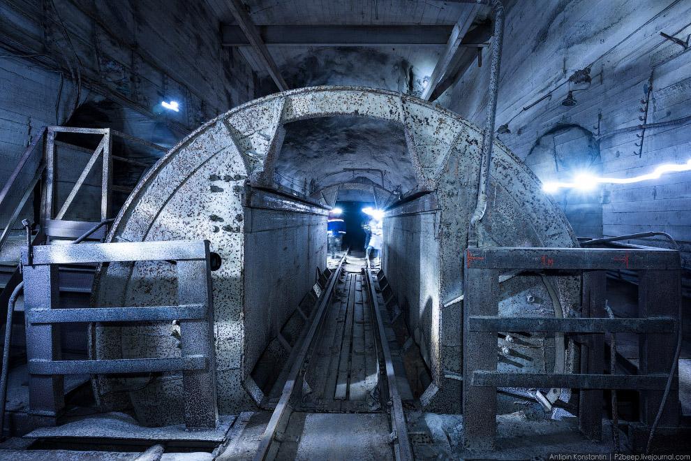 9. Технические помещения тоже находятся прямо под землей. Раньше здесь был склад и комнаты отды