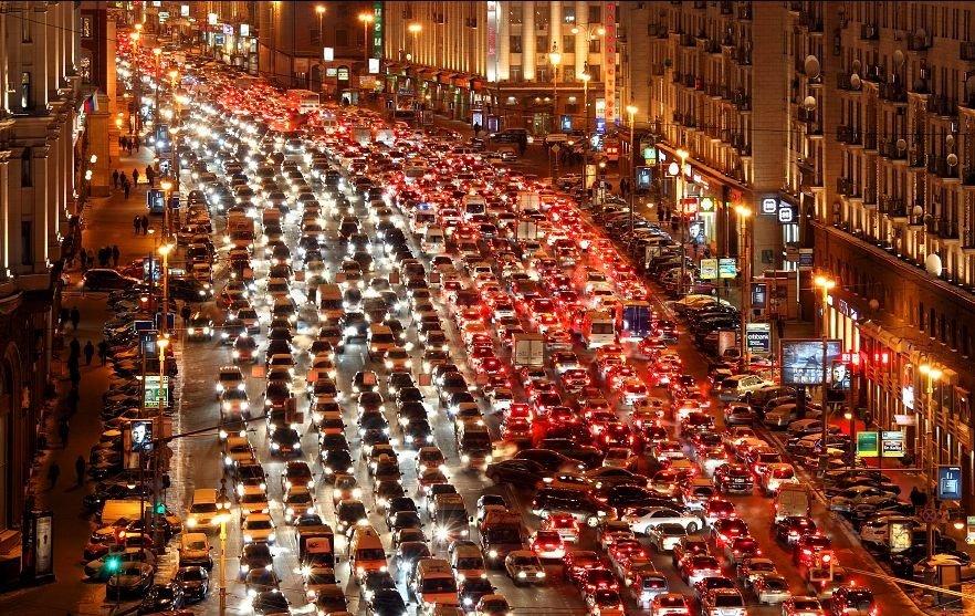 Работы вцентре столицы усложняют дорожное движение— ЦОДД