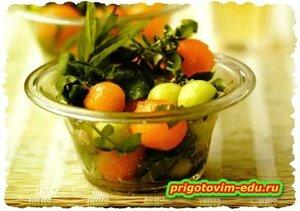 Салат из дыни с медом