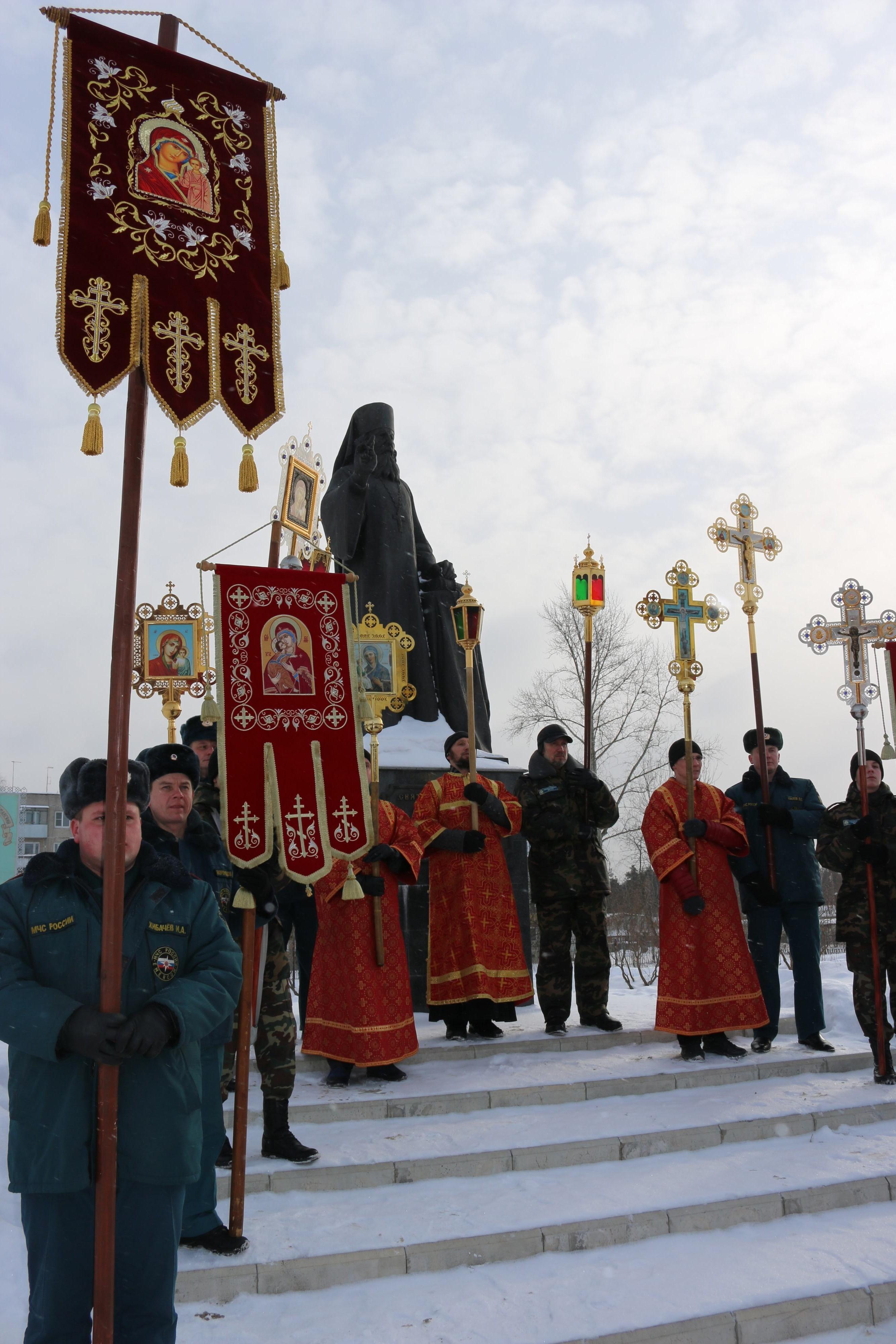 Крестный ход в день памяти новомучеников и исповедников Церкви Русской прошел в Выксе-31